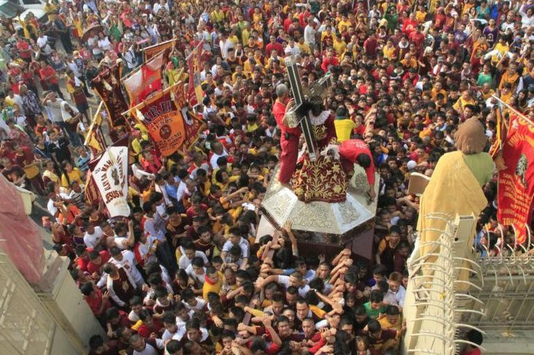 http://www.newsgra.ph/0223/12m-catholics-join-feast-black-nazarene/
