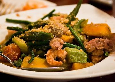 http://www.food-diary.net/2011/07/exotic-ilocano-recipe-pinakbet.html