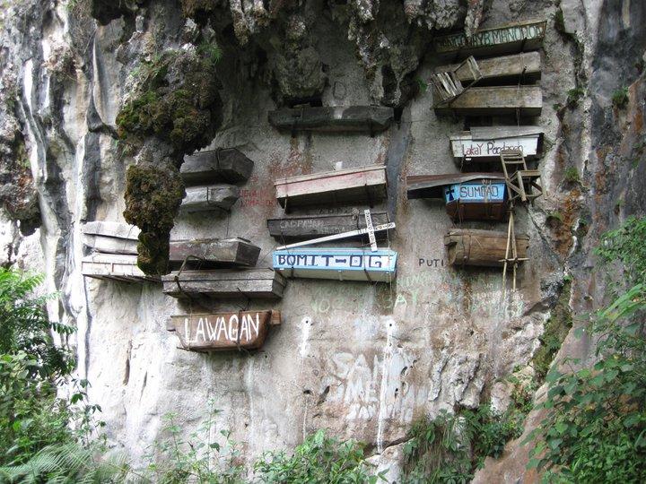 Hanging-Coffins-in-Sagada-Mountain-Province