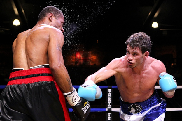 Algieri comes into this fight with an unblemished boxing record.