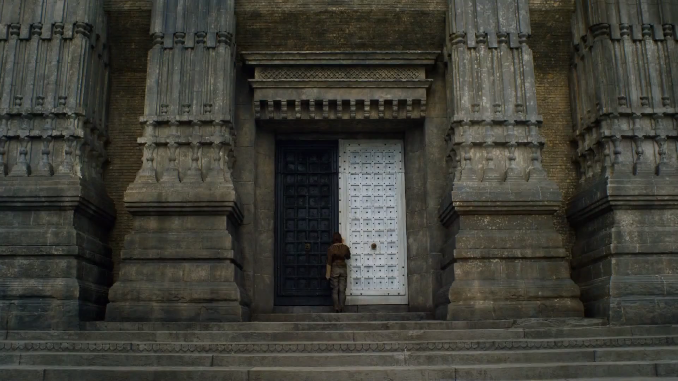 Arya Enters the House of White and Black