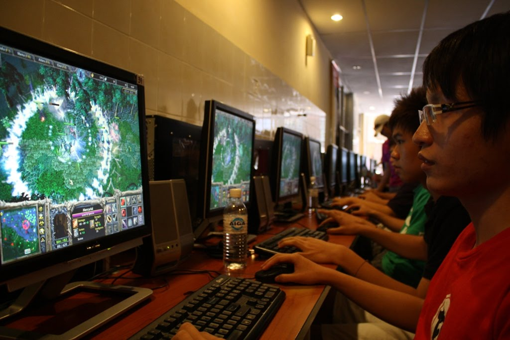 You Spend Gaming Time at an Internet Café